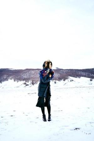 crimson Zara boots - Marta Marzotto scarf