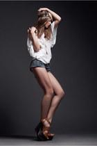 Topshop shoes - Etnie Jewell hat - Levis shorts - Etnie Jewell necklace - Topsho
