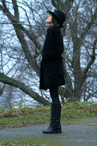 black Uterque coat - black vintage hat - black COS loafers