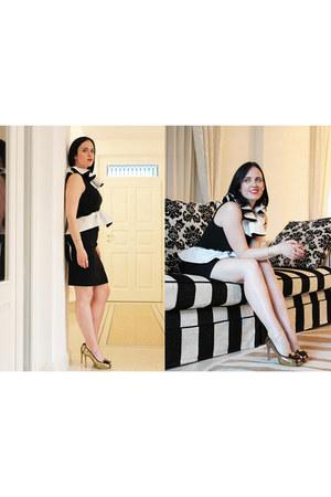 black Moschino dress - gold Grey Mer heels