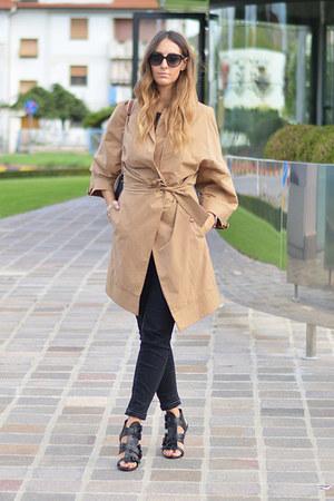 tan trench Loops jacket - Givenchy bag - black christian dior sunglasses
