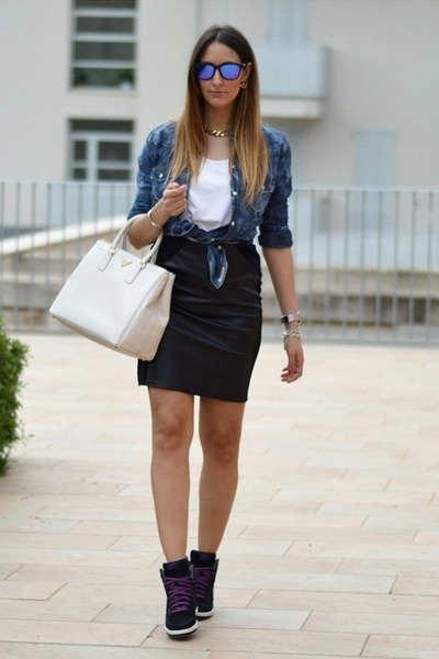 H&M t-shirt - True Religion shirt - Prada bag - Oakley sunglasses - H&M skirt