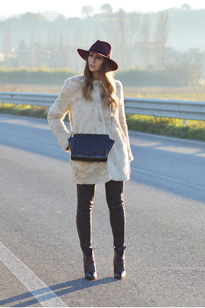 black Zara bag - black rupert sanderson boots - beige faux fur Zara coat