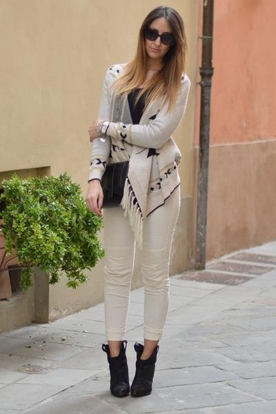 black Zara boots - black Zara bag - black Valentino sunglasses