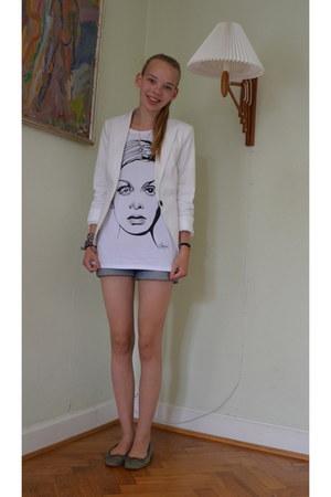 white Zara blazer - blue vintage levis shorts - white printed POP cph t-shirt -