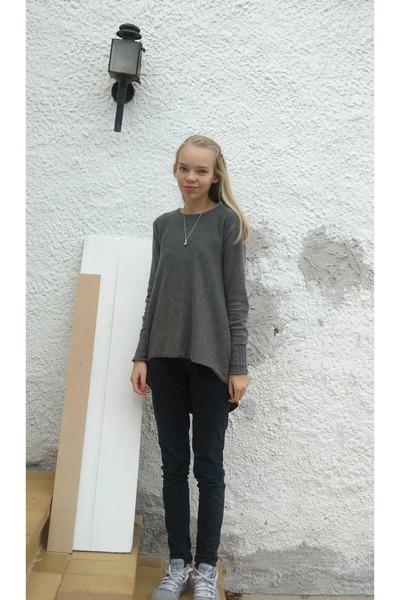Gray GINA TRICOT Sweaters, Black Zara Pants, Blue Le Coq Sportif ...