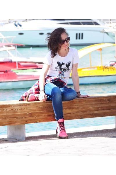 bubble gum Dr Martens boots - blue Zara jeans
