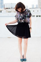 maroon Zara blouse - black H&M skirt - dark green castro heels
