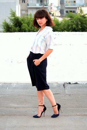 navy Zara pants - white pull&bear blouse - black asos heels