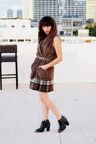 brown unknown skirt