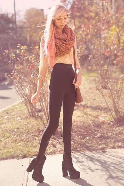 nude sheer chiffon blouse - light pink glasses