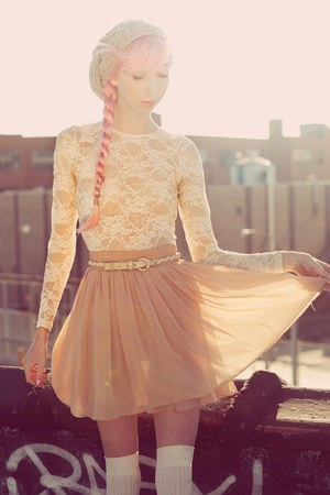 beige chiffon American Apparel skirt - tan knit beanie hat