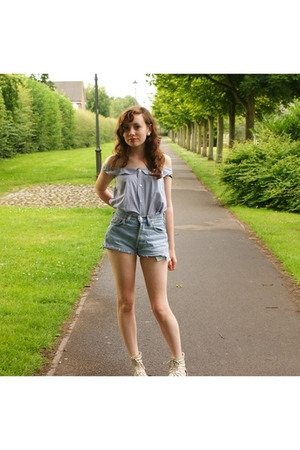 handmade shirt - Levis Red Label shorts - River Island shoes - vintage earrings