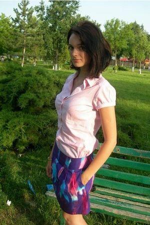 pink Stradivarius t-shirt - noname skirt - Stradivarius bracelet