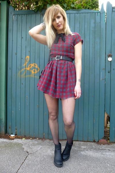 black new look boots - brick red Primark dress - black H&M bag