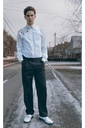 DIY shirt - adidas silver Adidas shoes - H&M Trend pants