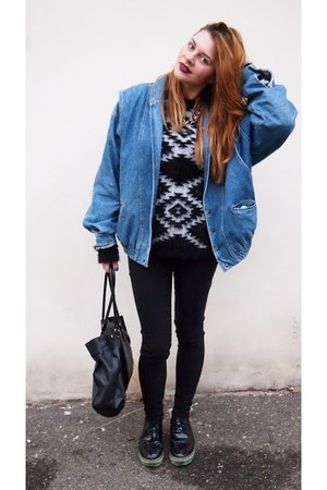 blue Secondhand jacket - black Gate jumper