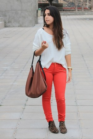 camel el corte ingles boots - ivory Stradivarius sweater - burnt orange Zara bag