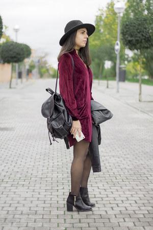maroon velvet zaful dress - black Stradivarius boots - black Zara hat