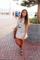 light blue Lefties vest - brown Madrid Store boots - white Bershka dress