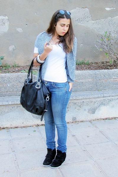 black Mulaya bag - sky blue Stradivarius jeans - white Zara shirt
