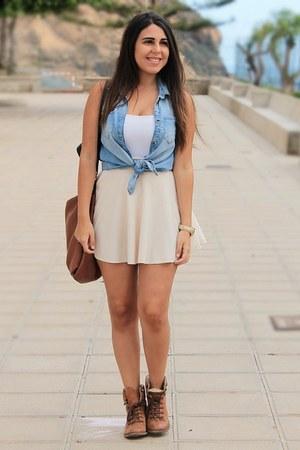 sky blue Shana blouse - light brown Madrid Store boots - white green coast shirt