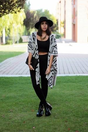 black Local store boots - black Oysho hat - black Lefties leggings