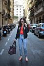 Light-blue-mom-jeans-pull-bear-jeans-black-bomber-blanco-jacket