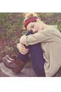 Dark-brown-steve-madden-boots-navy-nordstrom-jeans-maroon-thrifted-scarf-b
