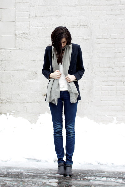 black Forever 21 boots - navy Level 99 jeans - black boxy Club Monaco blazer