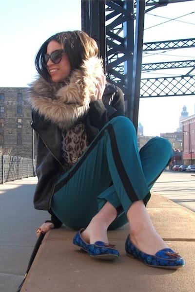 tan faux fur Target scarf - black Forever 21 jacket - dark brown Chaus shirt