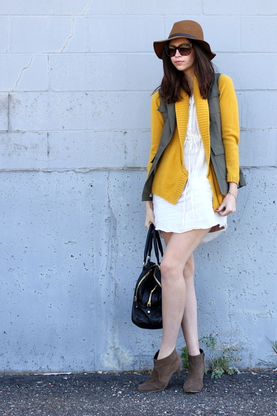 brown Gap hat - light brown Forever21 boots - black JCrew bag