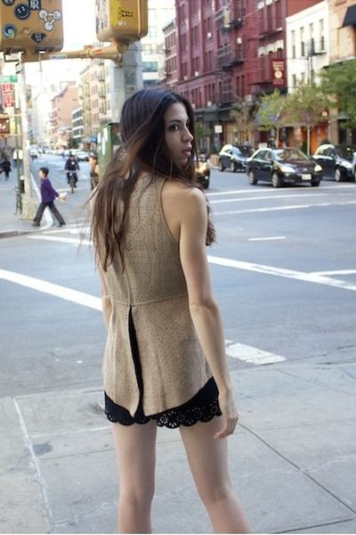 black rachel rachel roy shorts - tan BCBG top