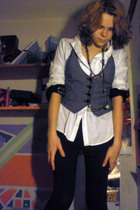 white shirt - black shirt - black leggings - black necklace - brown shoes
