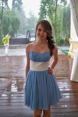 Lanys dress
