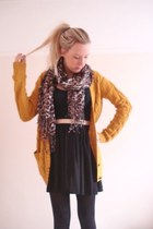 mustard chunky knit Primark cardigan - gold leopard print Accessorize scarf