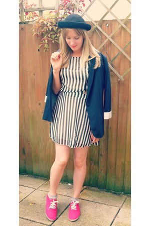 black striped Missguided dress