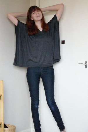 charcoal gray poncho Forever21 top - skinny new look jeans