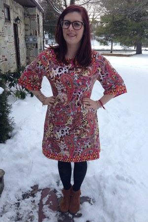 brown Minnetonka boots - coral Candies dress - gold baublebar necklace