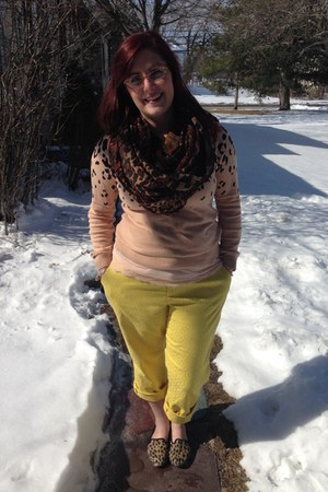 yellow banana republic pants - beige Forever 21 sweater - brown Target scarf