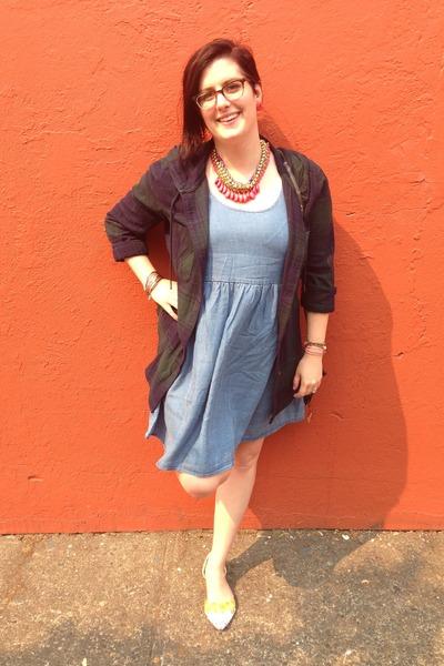 hot pink francescas necklace - light blue cotton on dress