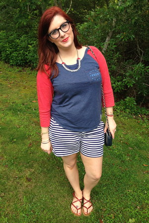 navy vintage bag - white Old Navy shorts - navy spike the punch necklace