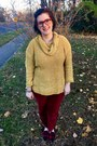 Mustard-walmart-sweater-ruby-red-bonlook-glasses-white-kendra-scott-necklace
