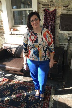 eggshell thrifted sweater - sky blue kensie glasses - blue Gap pants