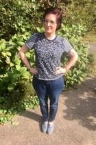 navy kohls jeans - gold Hunt & Orchard necklace - blue Gap top