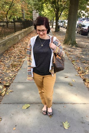 gold gift necklace - mustard second hand cardigan - charcoal gray H&M t-shirt