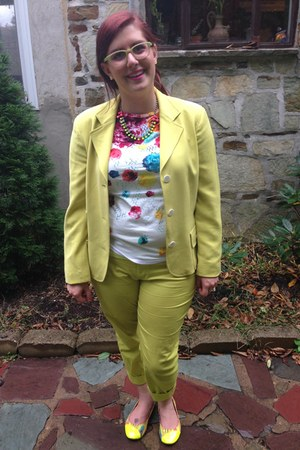 chartreuse vintage blazer - yellow Ell and Emm necklace
