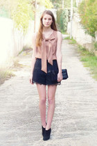 light pink bow Maje top - black Minelli boots - black Make everyday Happy bag