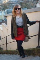 red vintage skirt - black La Redoute shoes - white Camaïeu shirt