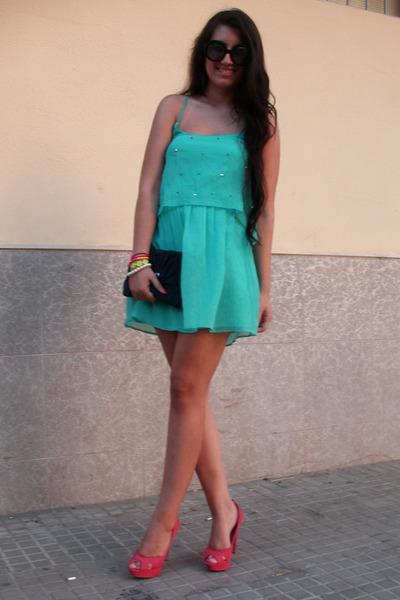 Bershka dress - Bershka bag - Prada sunglasses - Bershka heels